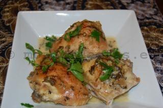Pollo al horno con salsa tahini, limon y perejil (Pollo libanes con salsa tarator) - mondorecetas.es