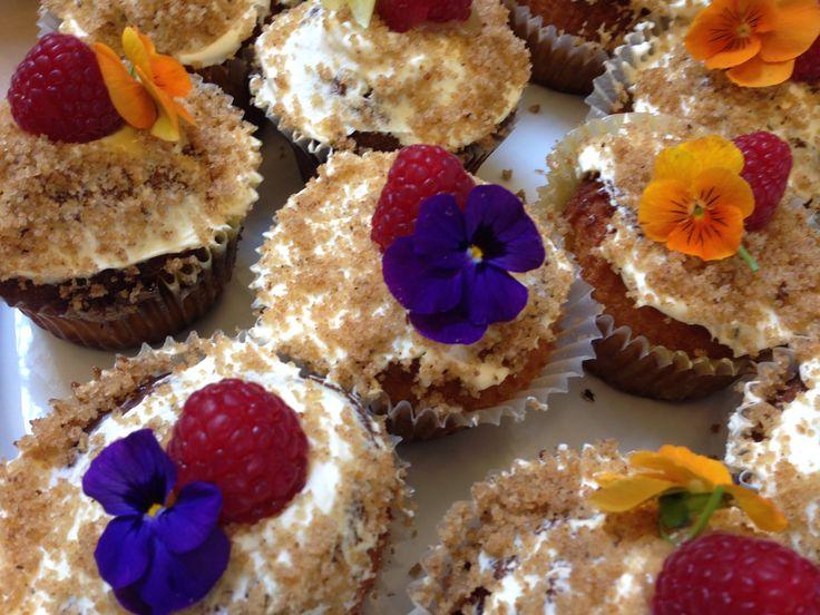 The London School of English - flower dessert