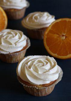 Mandarinen-Orangen-Quark-Cupcakes | Mandarin Orange Cupcakes | süß und cremig - Foodblog