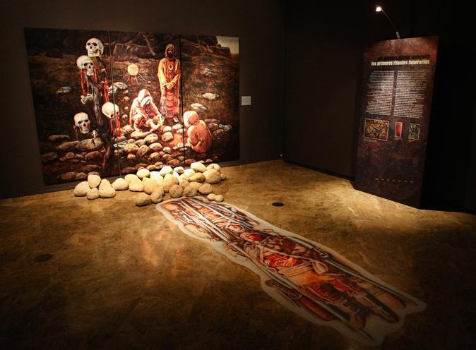 Recreación de ritual funerario a partir de los asentamientos de Prêdmosti (República Checa) y Sungir (Rusia). Dibujos de Libor Balék.