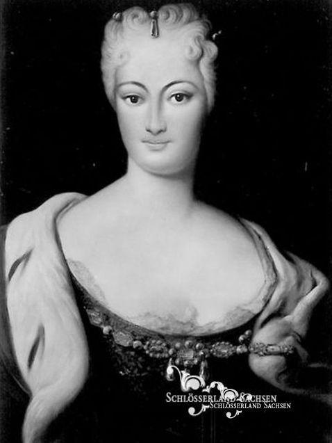 """Im Dezember 1705 übergab August der Starke der zur Reichsgräfin von Cosel erhobenen Constantia und seinem """"Geheimen Rat"""" ein schriftliches Eheversprechen, das sie als seine """"Frau zur Linken"""" deklarierte."""