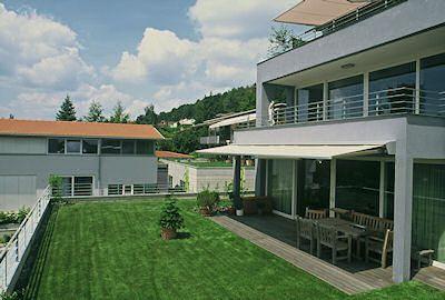 Zelené střechy Optigreen - Zelené střechy Střešní zahrady Zelené fasády Kontejnery na rostliny
