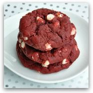 Red velvet white chocolate chip cookies. I do believe this will be a Valentine's Day treat!Cake Cookies, Sweets Treats, Cake Mixes, Chocolates Cookies, White Chocolate Chips, Red Velvet Cookies, White Chocolates Chips, Cake Mixed Cookies, Red Velvet Cakes