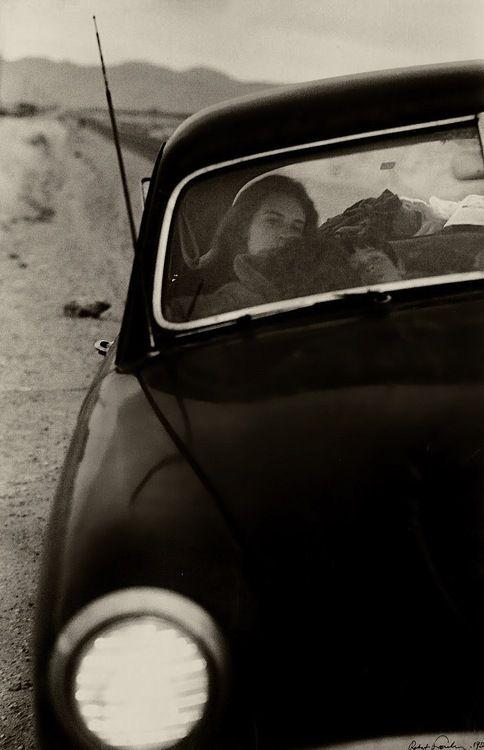 Robert Frank - U.S. 90en route to Del Rio, Texas, 1955