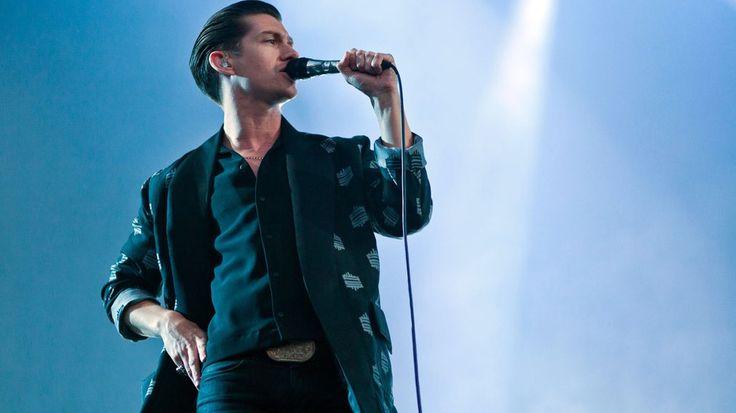 Arctic Monkeys a galopar pelo deserto - Bitaites