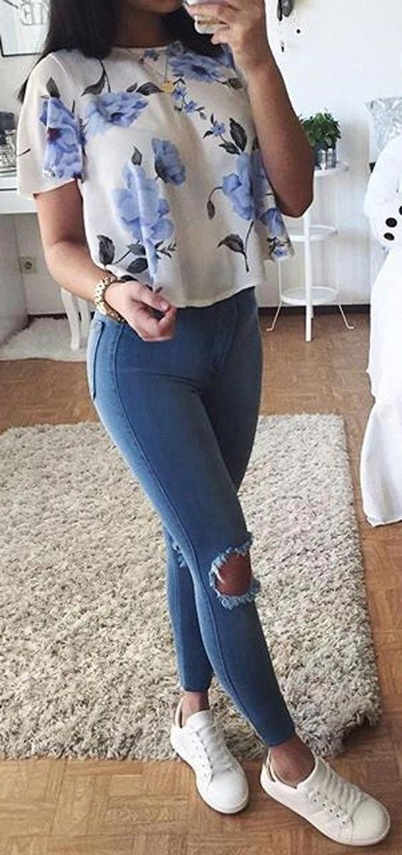 19 Cute Back To School Outfits For High School Students #Highschool #backtoschool #Cuteoutfits #outfit #girlpower