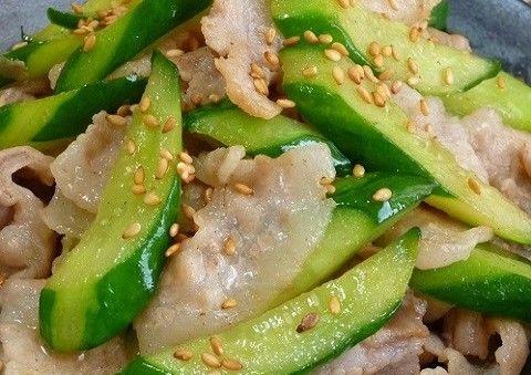 サラダに使うことが多いきゅうり。意外に炒め物にするとさっぱりしておかずにもなるんです。お試しあれ!