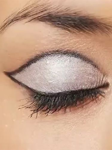 Rimmel London retro 60s eye makeup silver and black - Retro eye makeup how-to videos - easy makeup videos - beauty cosmopolitan.co.uk