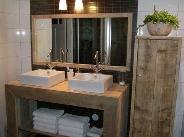 Gave steigerhouten tafel voor onder wasbakken- mooi voor in de bijkeuken/wasruimte