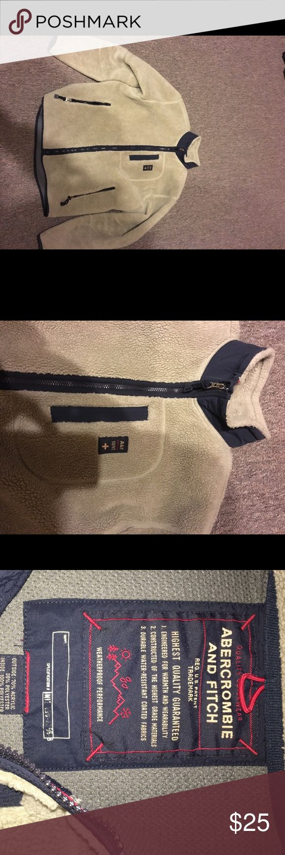 Abercrombie and fitch fleece jacket Original Abercrombie and fitch fleece/wool jacket.  Very warm.  Still in good shape. Abercrombie & Fitch Jackets & Coats Puffers