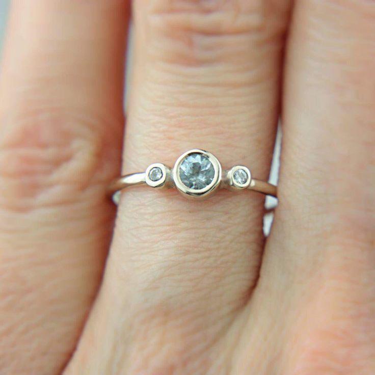 Aquamarine & Diamonds White Gold