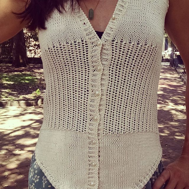 Ravelry: Delicate Bones pattern by Klever Knits