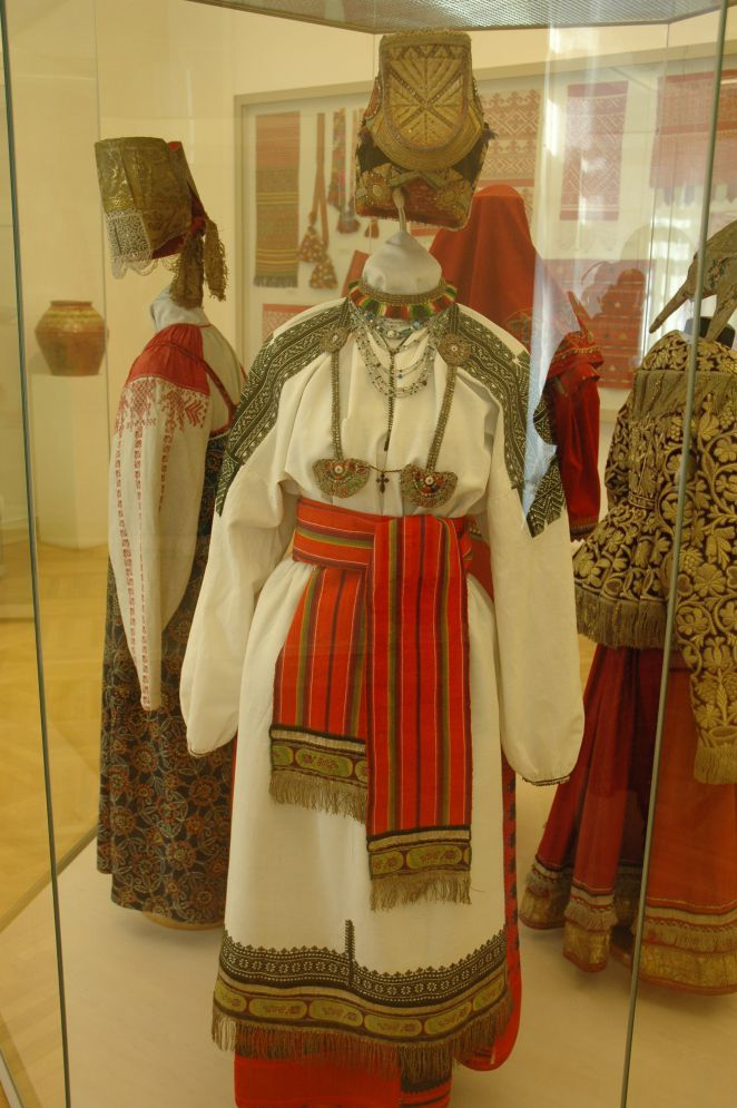Russian folk costume, embroidery, weaving, utensils from the collection of the Russian Museum - Slavic culture