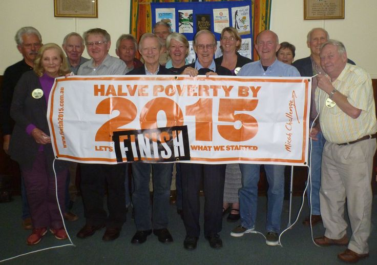 Cooroy Rotary Club shows their support for halving poverty by 2015!