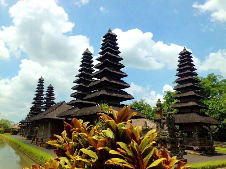 Pura Taman Ayun is a Royal Temple of Mengwi Empire, about 18 Km north side of Denpasar town. It owns the beautiful temple building with multistoried roof and Balinese Architecture.