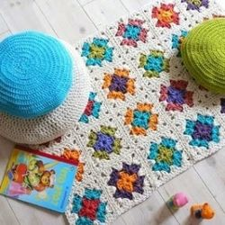 birthday idea for leah.. Roseanne inspired granny square afghan.