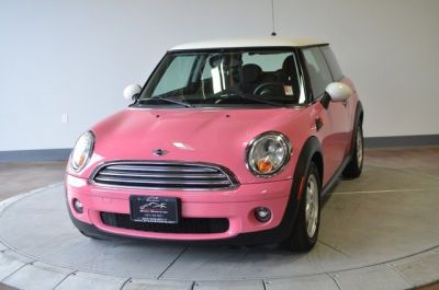 """2007 Pink MINI Cooper @Suzanne, with a """"z"""" mikel This is another car I want to see Steven drive ;)"""