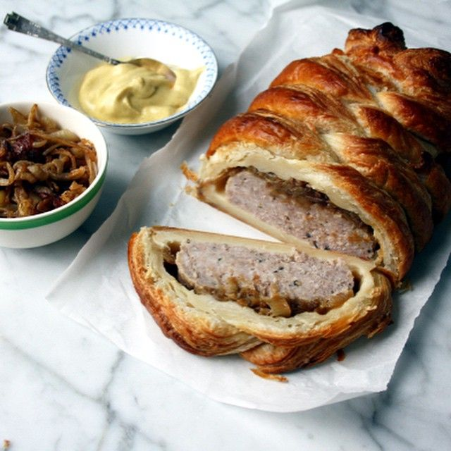 Sausage Plait with Caramelized Onions and Mustard. Recipe on the blog. #sausageplait #food #recipes