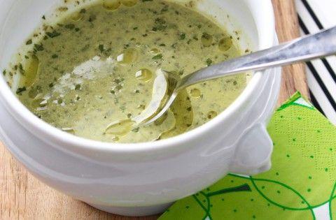 Soppa med grönkål och kronärtskockshjärtan