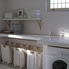contemporary laundry room by Chez Larsson