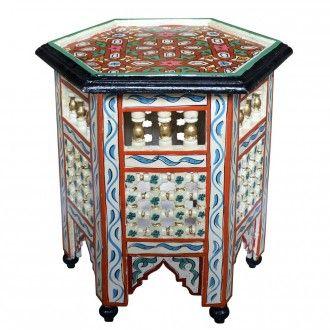 """Im Sonderangebot: Orient Teetisch """"Baida_K"""", ein sechseckiger marokkanischer Beistelltisch aus vollem Holz. Die Mosharabia -Holzornamente, die aufwendig aus mehreren Einzelteilen zusammengefügt sind, und natürlich die Kunstmalerei in Maurischem Stil verleihen dem Tisch eine besondere Note."""