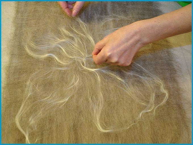 Felting cobweb scarf with silk fiber