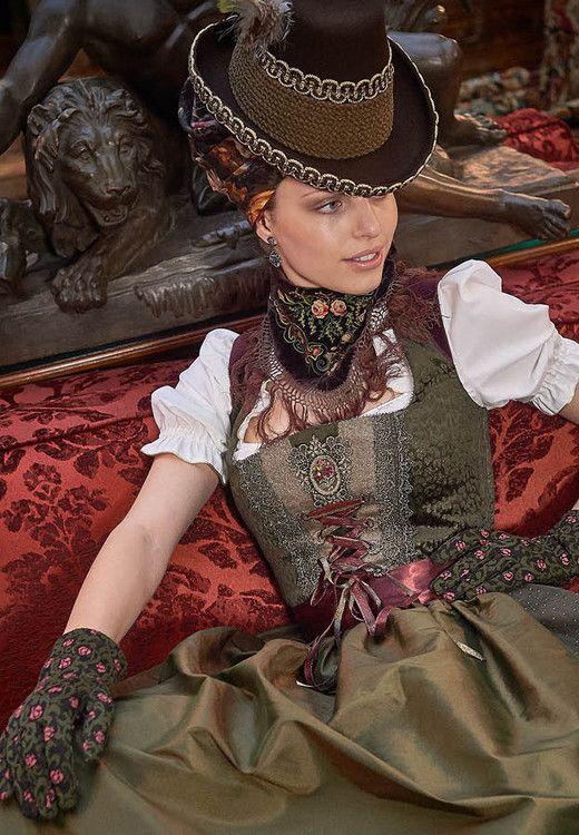 Trachtenmode Stilberatung   Hallali Tyrol Lebensstil – Dirndl