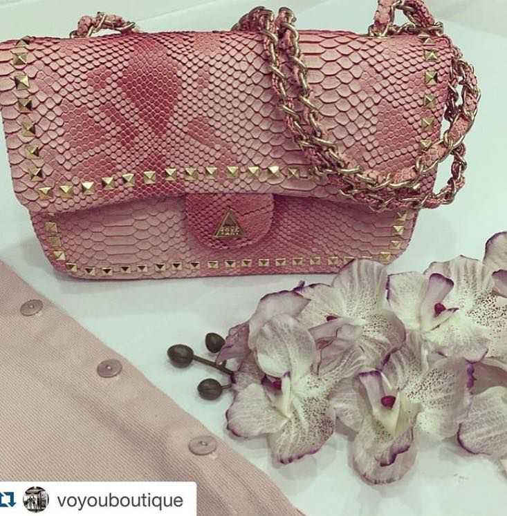 SHOP ART POCHETTE #new #collection #shopart #shopartmania #coolstyle #springsummer16 #adorage #style #pochette #pink #instore #perfectstyle
