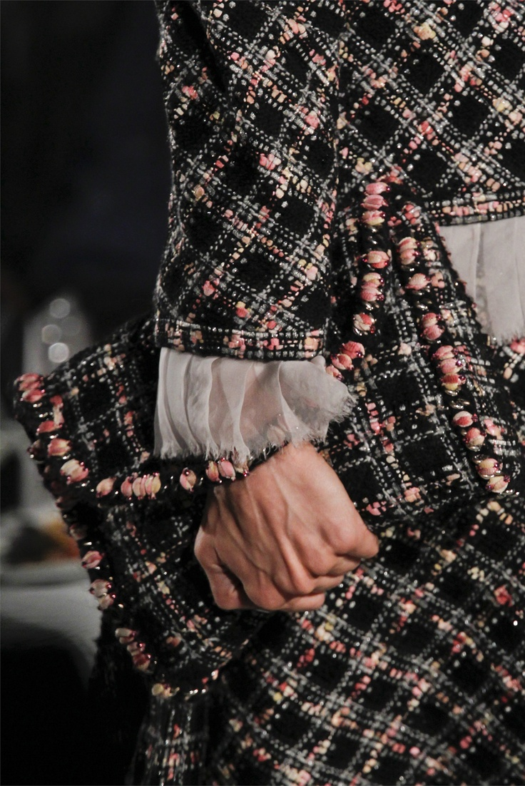 Sfilata Chanel Paris - Alta Moda Autunno-Inverno 2012-13 - Vogue
