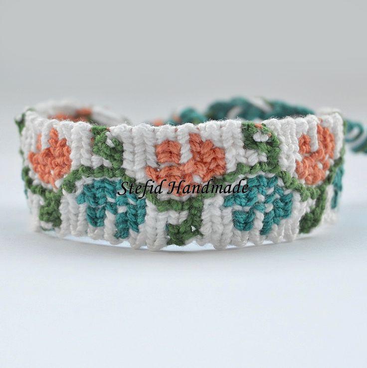 Bratara cu motive traditionale - Stefid Handmade   Pentru ca ne plac traditiile romanesti si vrem ca ele sa nu se piarda in negura timpului