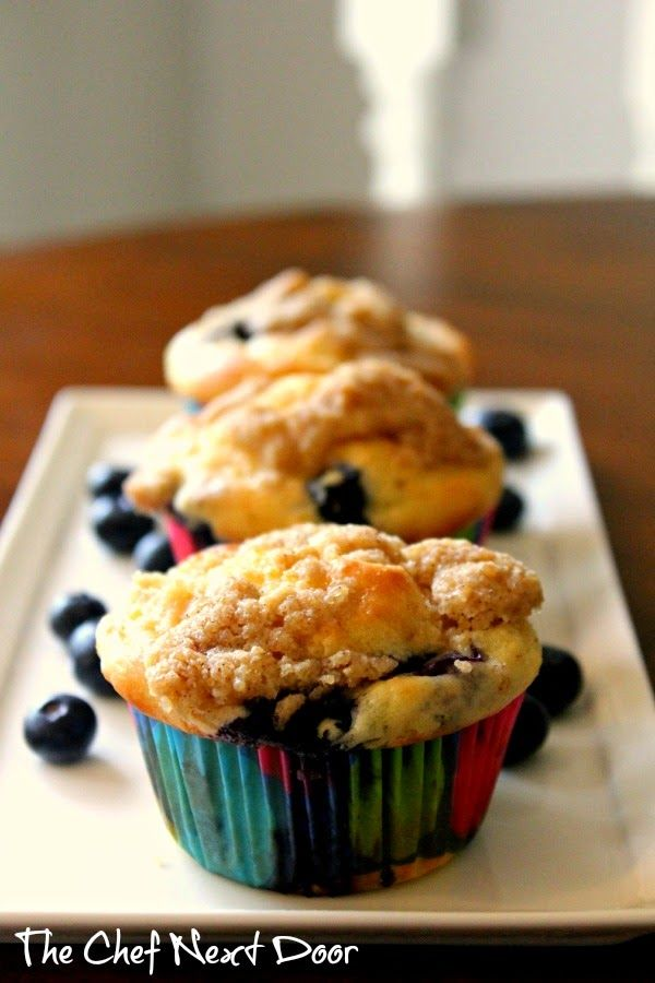 Blueberry Crumb Muffins | The Chef Next Door #blueberry #muffins