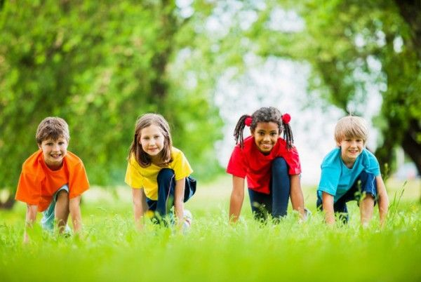 Командные игры для детей - это не только движение и опыт, но и возможность получить социальные навыки в общении со сверстниками.
