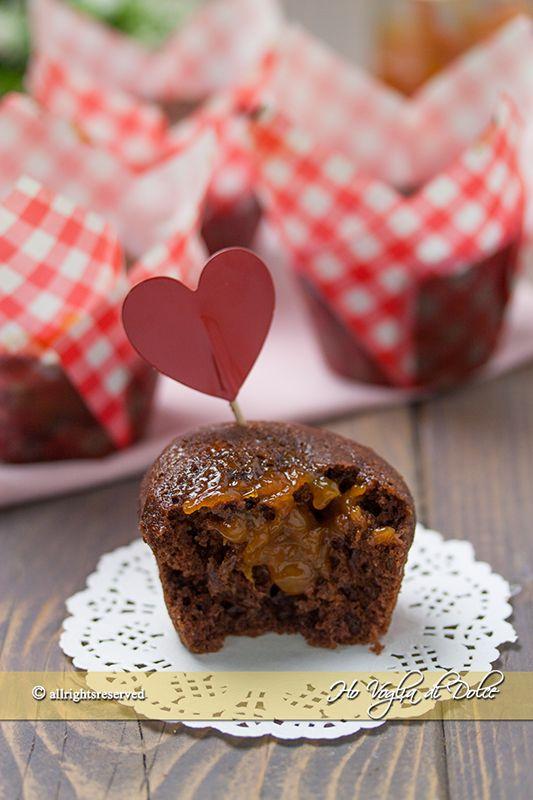Muffin+al+cacao+con+cuore+di+marmellata