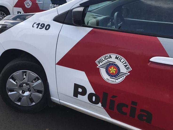 Idoso é agredido durante assalto na Vila Mariana -     A Polícia Militar registrou um caso de roubo na madrugada desta terça-feira, dia 21, na Rua Raul Torres, região da Vila Mariana. A vítima é um idoso de 80 anos. Segundo boletim de ocorrência, ele escutou barulhos estranhos em sua residência e se levantou para verificar o que estava - http://acontecebotucatu.com.br/policia/idoso-e-agredido-durante-assalto-na-vila-mariana/