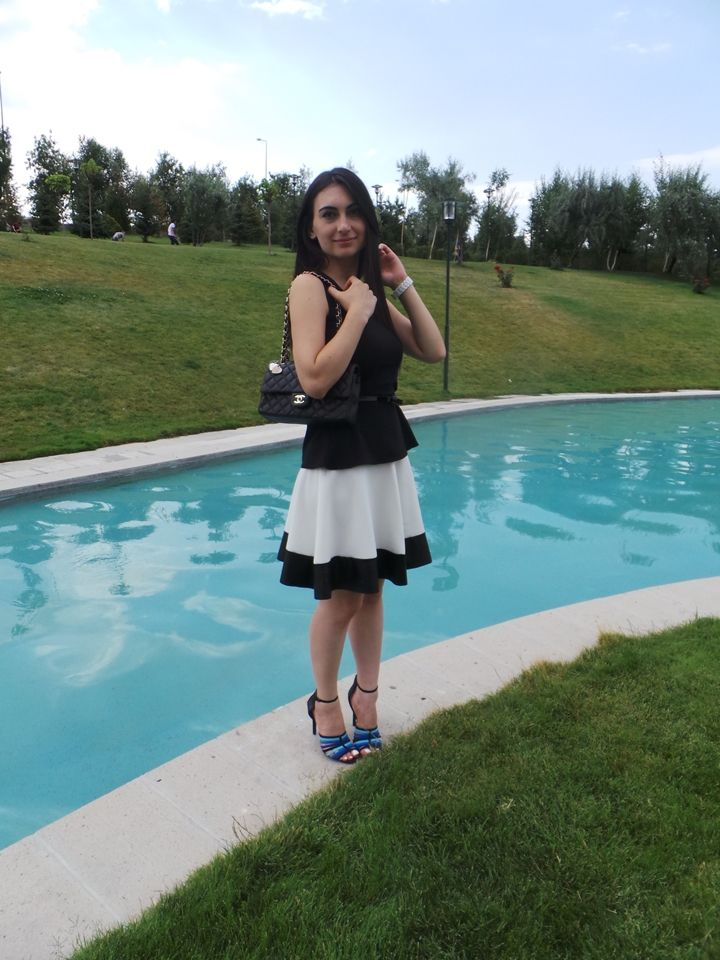 ne giydim siyah peplum bluz beyaz etek kombin önerisi zara topuklu ayakkabı chanel çanta kombin önerisi pembe ruj bugün ne giysem kombin blogları moda blogları moda bloggerları  Ne Giydim / Beyaz Etek