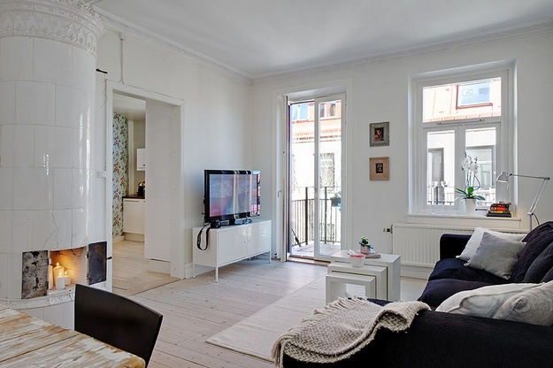 http://www.letmebeinspired.com/a-bright-two-room-scandinavian-apartment/