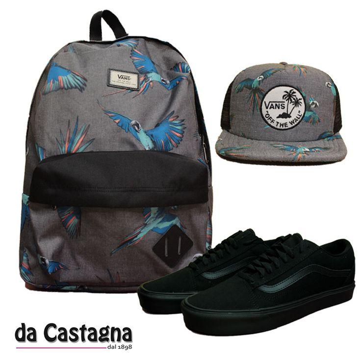 Essential by Da Castagna . Scarpe Vans old skool ultralight , cappellino trucker vans e zaino vans