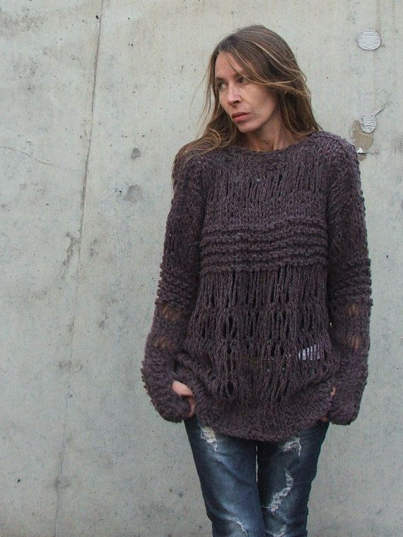 Pair this oversized grunge sweater by ileaiye on Etsy with white skinnys and a pair of skyhigh black pumps. VOILA. :)