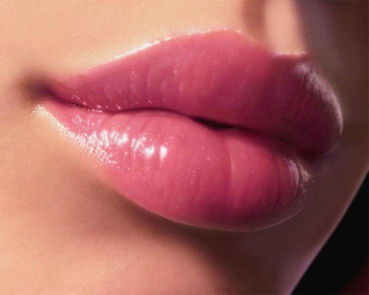 Labios suaves y carnosos