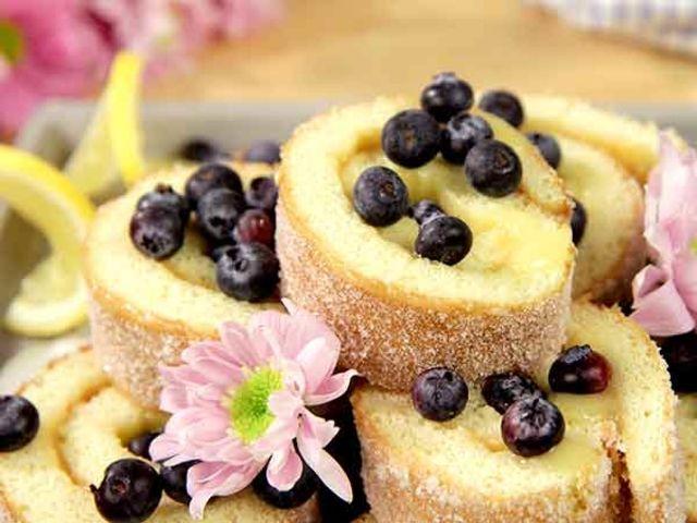 Rulltårta med lemon curd (kock Roy Fares)