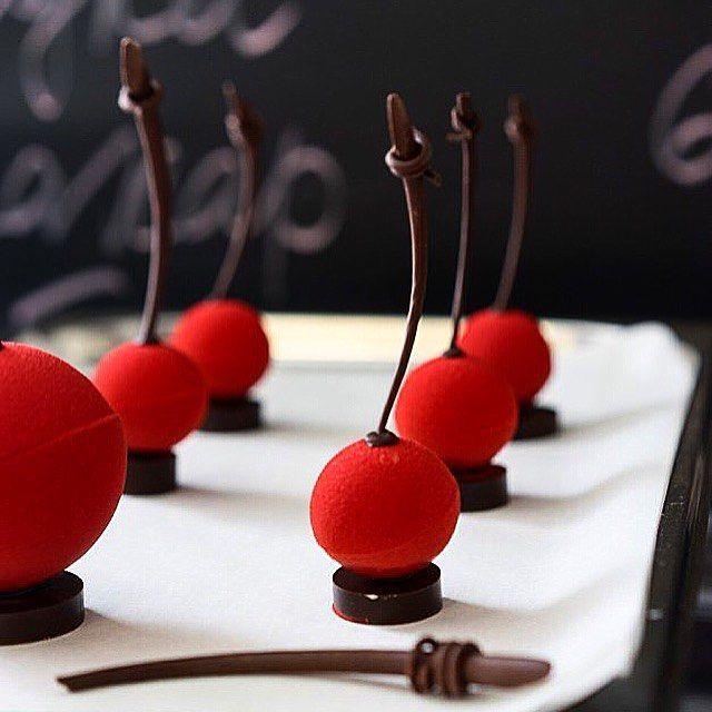 Cherry team #foodporn#food#followme#decor#art#design#followforfollow#follow4follow#decoration#like#like4like#likeforlike#likeforfollow#dessert#chef#nicolaspierot#yumm#yummy#cherry#red#live#work#process#passion#f4f#chocolate#choc#amazing#french#