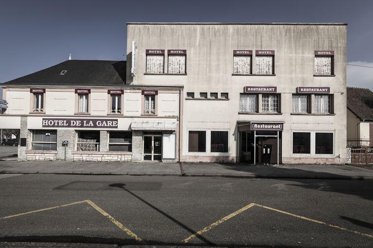 https://flic.kr/p/F8ti6c | L'Hôtel Restaurant de la Gare rue de la Victoire du 11 novembre 1918 - Désertification | Février 2018