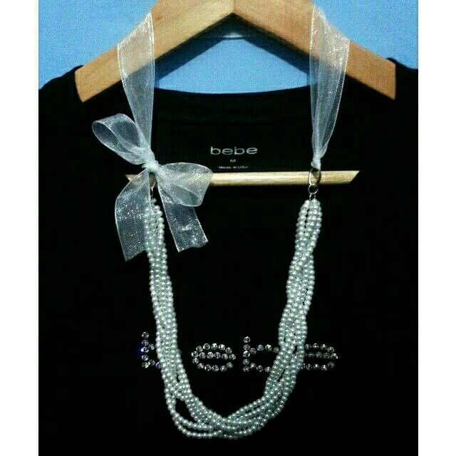 Classic ribbon necklace