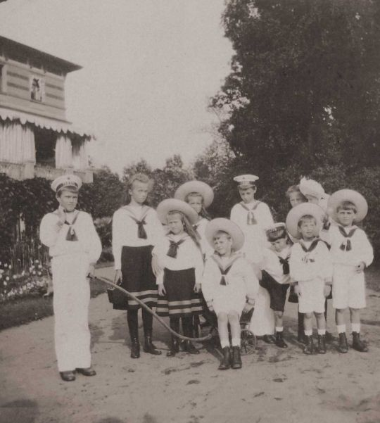 Grand Duchesses, Olga, Maria, Anastasia and Tatiana and Alexei with their cousins, Lower Dacha in Peterhof, 1908