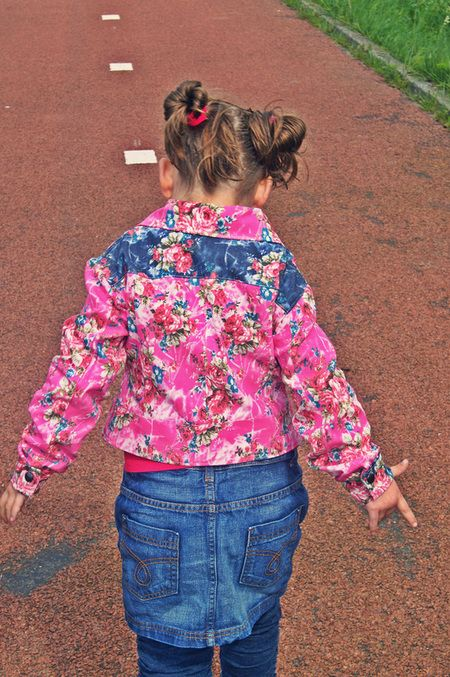 Jeansjackje voor de mizzy - Patroon Bizzkids - Stof rekbare jeansstof - Made by Mama Mizzy #inspiration