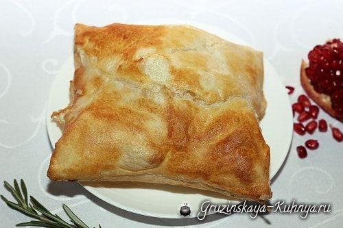 Пеновани - слоеный хачапури - гордость грузинской кухни! Хачапури любят все. Этот вид несладкой выпечки готовят в грузинских семьях ежедневно