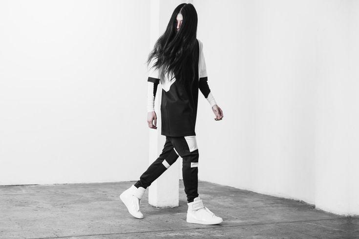 Represent Clothing / menswear collection / pánské oblečení  #represent #representclothing #streetgoth #black #mikiny #kalhoty #tricka #trika #sweatshirts #pants #tshirts  http://www.urbag.cz/futuristicka-temna-kolekce-obleceni-britskeho-labelu-represent/