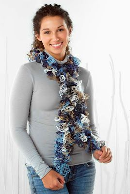 How to: Starbella Knit Ruffle Scarf #Craft #Fashion #Trend #Lace #Garland