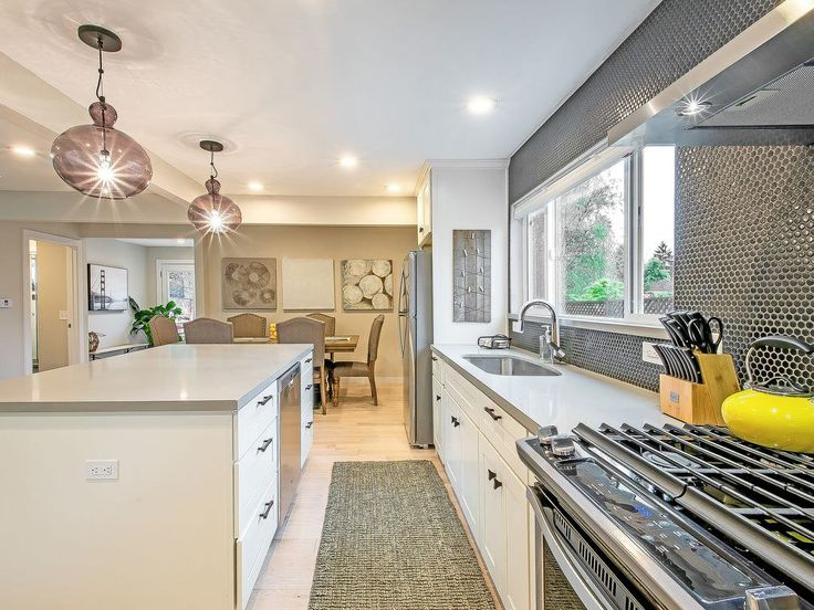 How to Find a Vacation Rental for Thanksgiving (Awesome Kitchen Included)