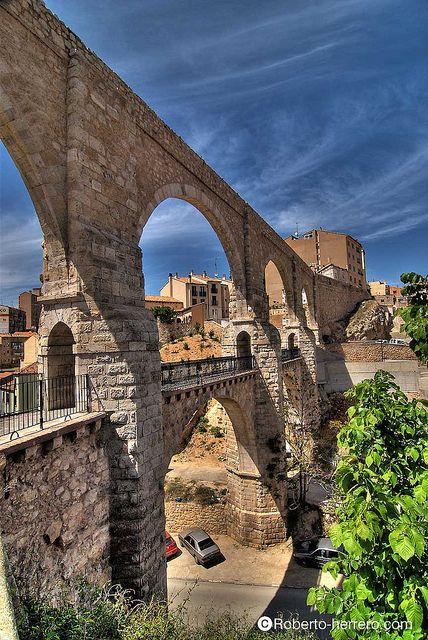 Acueducto de Teruel, Aragón | Flickr by RobertoHerrero